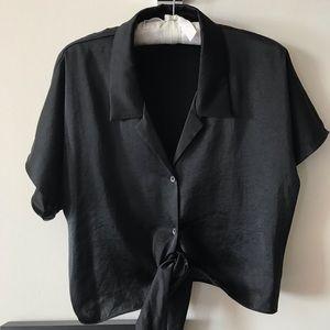 Aritzia silky tie top: size M